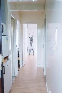 A bathroom at Appartement familial près de Paris