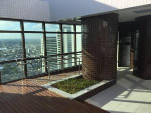 A balcony or terrace at Beach Class Boa Viagem Prime