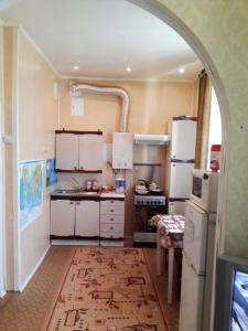 Кухня или мини-кухня в Квартира в центре на Фокина 65