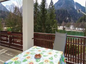 Een balkon of terras bij One-Bedroom Apartment in Kranjska Gora