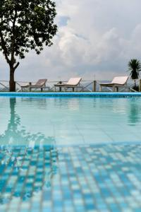 The swimming pool at or close to Pili Pili Boutique Hotel