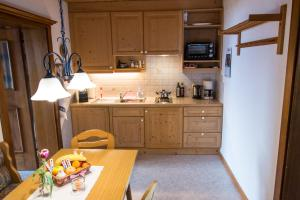 A kitchen or kitchenette at Hof Hamoos
