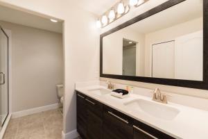 A bathroom at Balmoral Resort Florida