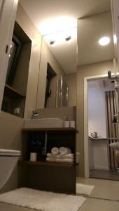 A bathroom at City Center LUX Apartment