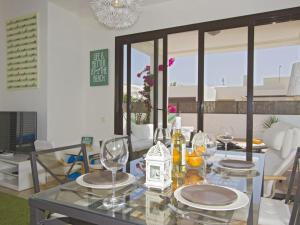 A restaurant or other place to eat at Villa Carmen- Lanzarote