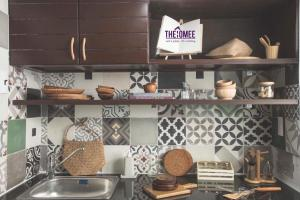 A kitchen or kitchenette at The HOMEE