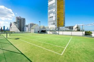 Tennis and/or squash facilities at ULTIQA Air On Broadbeach or nearby