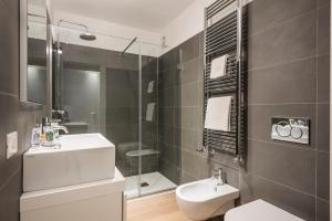 A bathroom at MyPlace Corso Como 11 Apartments
