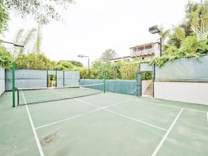 Tennis and/or squash facilities at Spectacular $12Mill Beach Mansion-Clear Ocean View or nearby