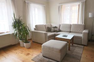 A seating area at Apartment Soukenicka 44