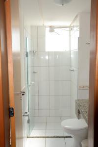 A bathroom at Aguas da Serra Apart Service