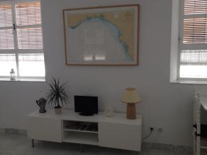 A television and/or entertainment center at Apartamento Tomas de Ibarra