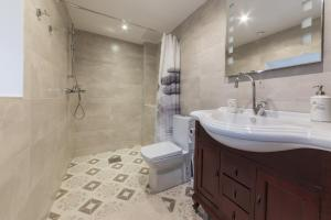 A bathroom at Best Apartments - Viru