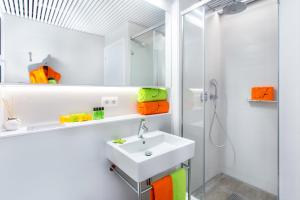 Un baño de Cosmo Apartments Marina – Auditori