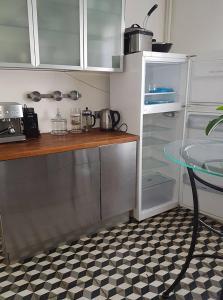 Cuisine ou kitchenette dans l'établissement Belle maison familliale