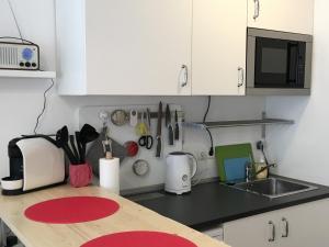 Küche/Küchenzeile in der Unterkunft Centra and simple to reach