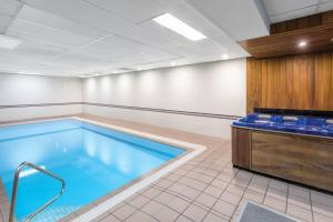 The swimming pool at or near Adina Serviced Apartments Canberra Kingston