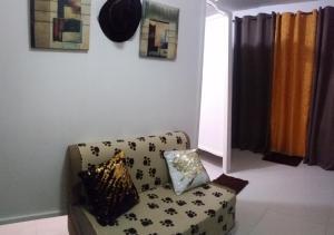 Ein Sitzbereich in der Unterkunft Cristina's Condo Rentals Manila