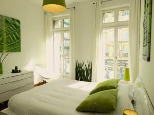 A bed or beds in a room at Luxury Rental Marseille Imperial - Rue de la République