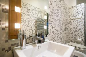 A bathroom at Hacca Collection - FieraMilano