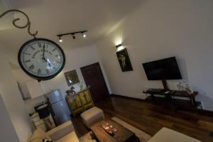 海景配套齊全兩臥室奢華公寓休息區
