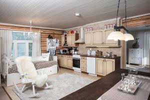 Majoituspaikan Holiday Home Siimes keittiö tai keittotila