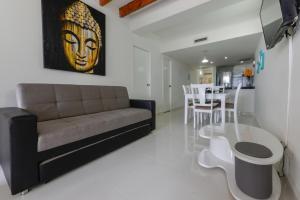 Zona de estar de Edificio Bay Point Apartamento 403