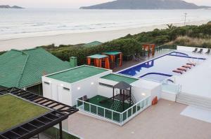 Vista de la piscina de Apartamento no Ingleses Acquamar o alrededores