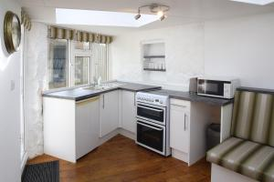 A kitchen or kitchenette at Little Trewin