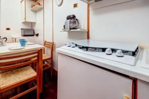 A bathroom at San Giovanni Comfort Apartment
