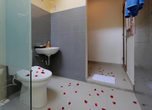 A bathroom at ThanTha Ubud Villa