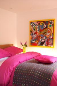 Ein Bett oder Betten in einem Zimmer der Unterkunft Willow Tree Barn at The Old Mill