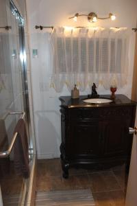 A bathroom at Chalet Le Sainte-Flore