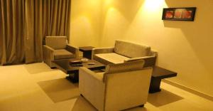 A seating area at Wharf Suites