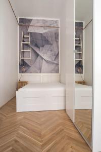 """城市""""塔拉比""""美好公寓房間的床"""
