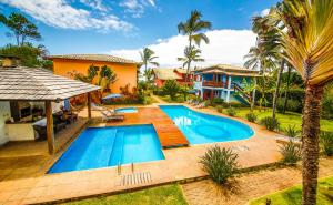 The swimming pool at or near Residence Pé na Areia