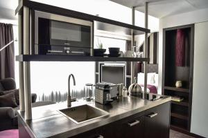 A kitchen or kitchenette at Goodman's Living