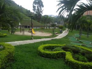 Jardín al aire libre en Apto privado full en unidad cerrada