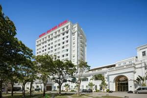 Khách sạn Royal Hạ Long