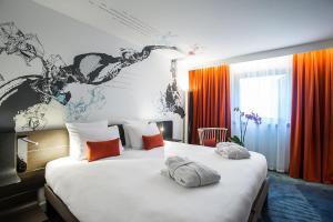 Hotel room photo