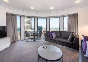 A seating area at Avani Metropolis Auckland Residences