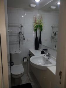 A bathroom at San Alfonso Del Mar