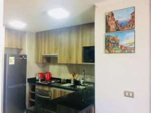 Una cocina o zona de cocina en Home Studio with Amazing View