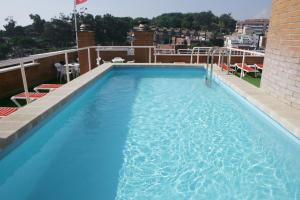 The swimming pool at or close to Apartaments Rosanna