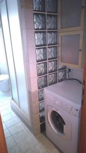 A bathroom at Appartamento Roma (Piazza Bologna)