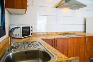 A kitchen or kitchenette at Seaview Famara Beach