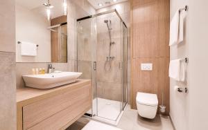 A bathroom at Czarny Kamień Resort & Spa