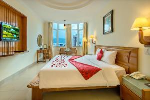 Khách Sạn Golden Sea