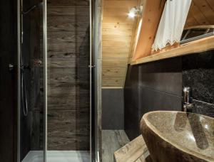 A bathroom at Domki pod Gubałówką