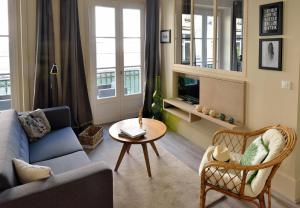 A seating area at Gambetta #4 - Appartement cosy - 2 personnes